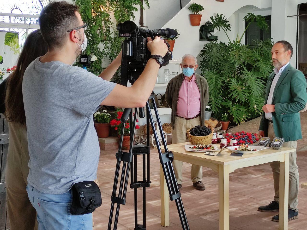 Visita del programa Saber Vivir de TVE a nuestras fincas